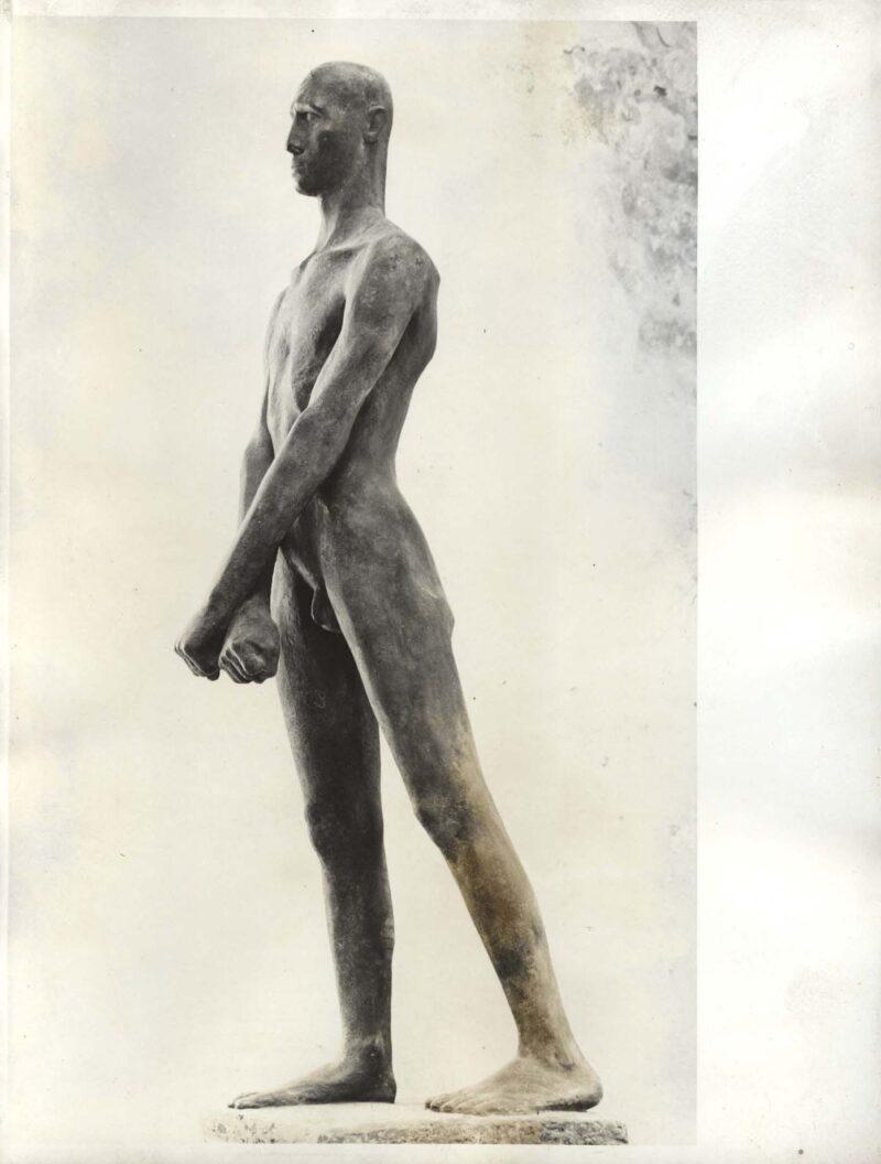 """Abbildung von """"Fotografie von Fritz Cremers Plastik """"Freiheitskämpfer"""""""""""