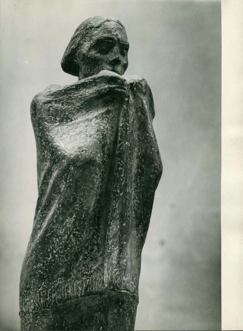 """Abbildung 1: """"Fotografie von Fritz Cremers Plastik """"Soldatenmutter"""" (Detail)"""" von Fritz Cremer"""