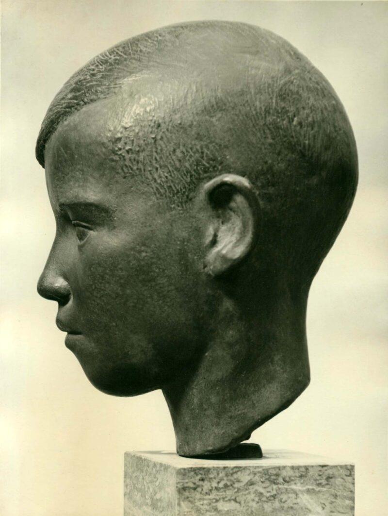 """Abbildung von """"Fotografie von Fritz Cremers Plastik """"Jungenkopf"""""""""""