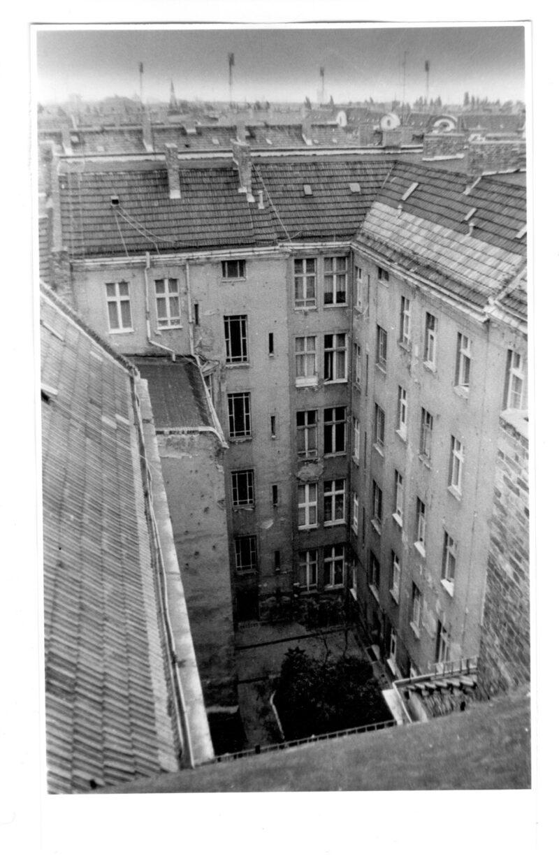 """Abbildung von """"Prenzlauer Berg, Auf den Dächern der Sonnenburger (1)"""""""