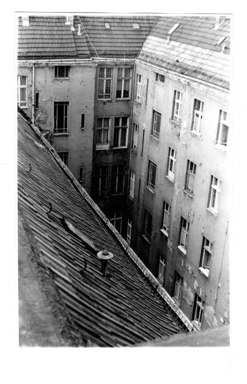 """Abbildung von """"Prenzlauer Berg, Auf den Dächern der Sonnenburger (9)"""""""