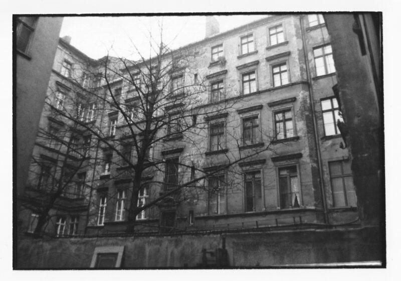 """Abbildung 1: """"Berliner Höfe VI (Nordisches Viertel)"""" von Peter Dettmann"""